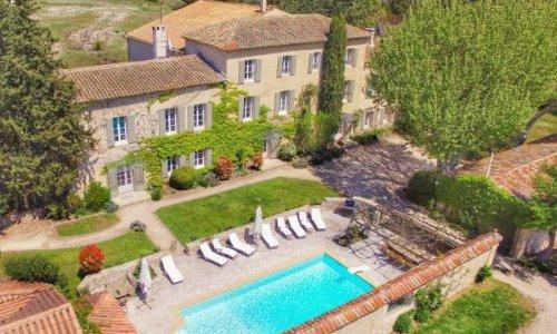 maison + piscine vue du ciel